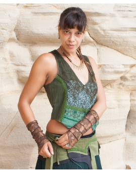 Go totally Earthy with EarthyWear! Simple but with many charming details bohemian vest for your next looking good day ;-)