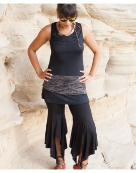 EarthyWear - Flared pants with large slits at the hem. Kind of flamenco feel but in trousers.Black trousers