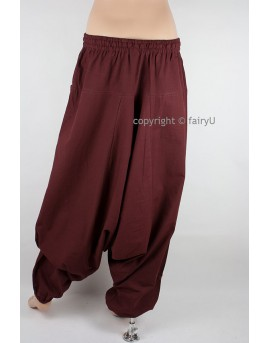 Hippie pants made from thin cotton fabric. Perfect for travelling, festivals and yoga. Drop crotch pants from EarthyWear.