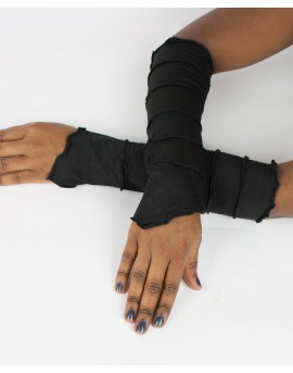 Fairy sleeves / gloves made from plain lycra. Shine with these gloves next time you go out!!! Black colour.