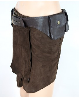 Classic waist belt bag made of strong leather. Organise your pockets better next time you go travelling or for festivals.